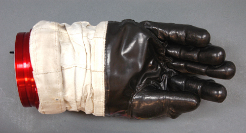 Glove, Right, A7-L, Intravehicular, Apollo 11, Aldrin, Flown