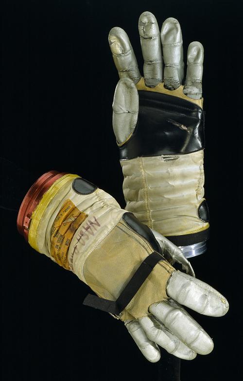 Glove, Left, A-4-H, Apollo, Developmental
