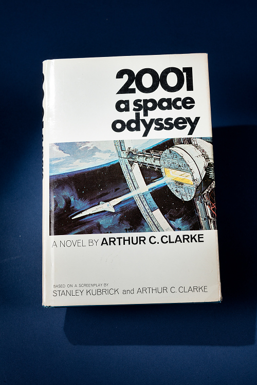 Book, 2001 A Space Odyssey, STS-98