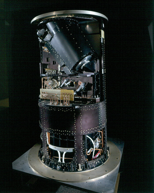 Cryostat, COBE Optical Assembly
