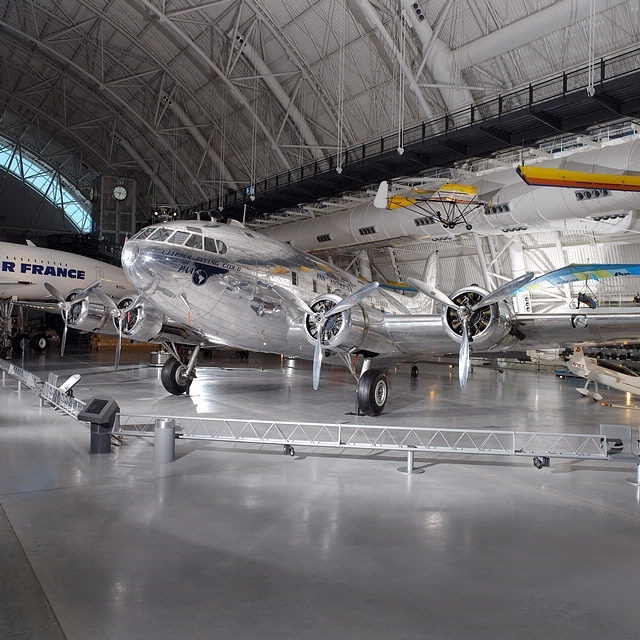 Boeing 307 Stratoliner 'Clipper Flying Cloud'