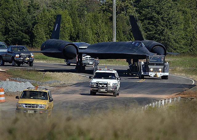 SR-71 Moves Into Udvar-Hazy Center