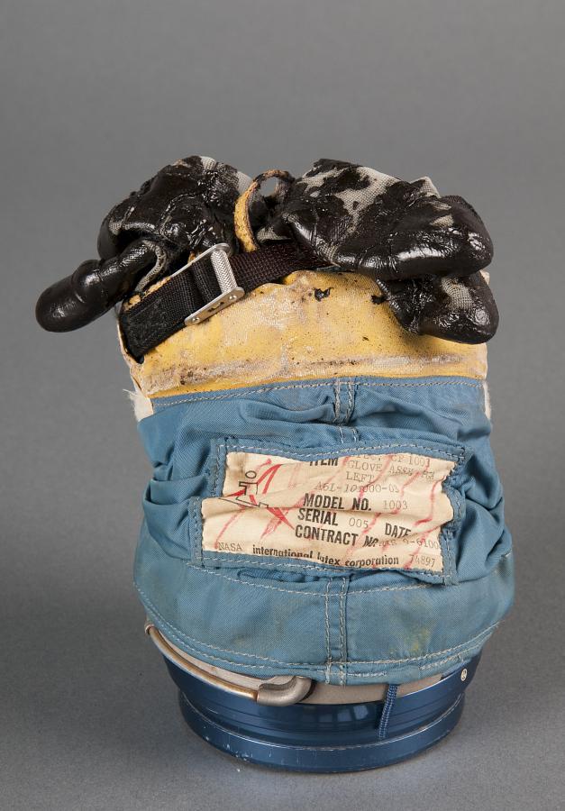 Glove, Left, A6-L, Intravehicular, Developmental,Apollo