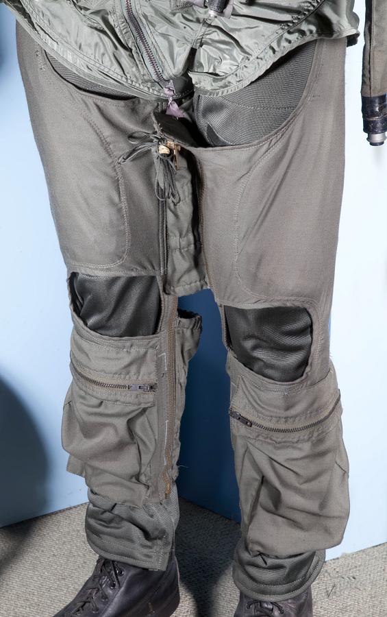 Garment, Anti-G, Type CSU-15/P, United States Navy
