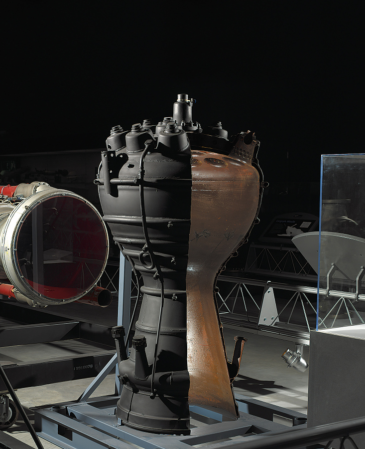 V-2 Rocket Engine Combustion Chamber cutaway