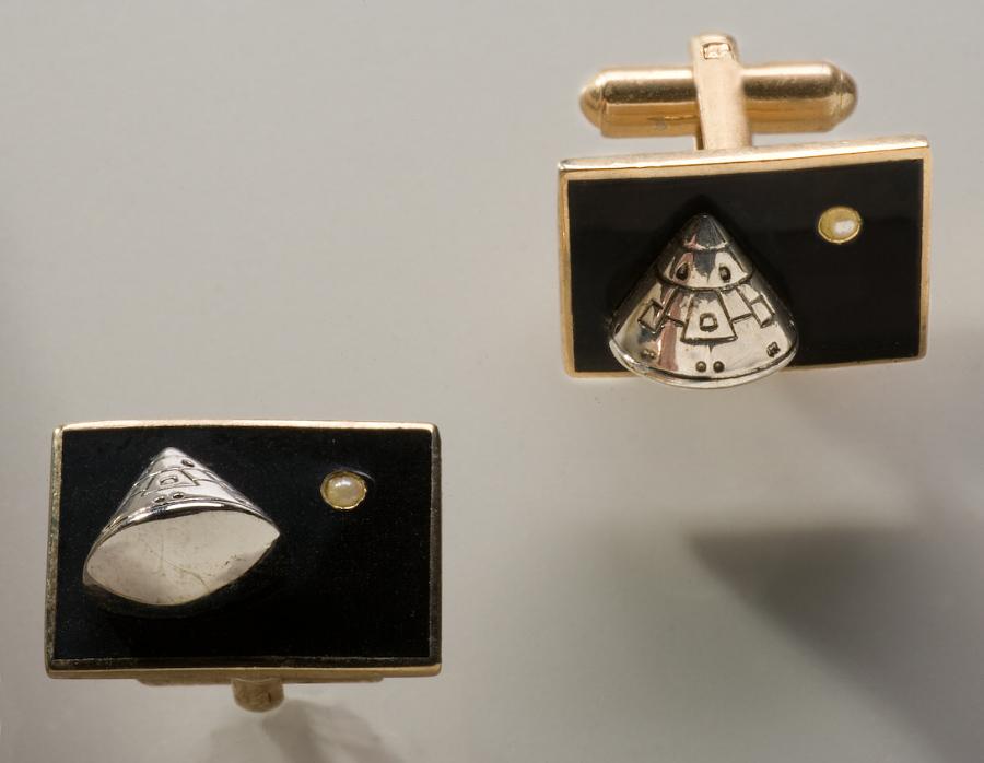 Cuff Links, Apollo 11