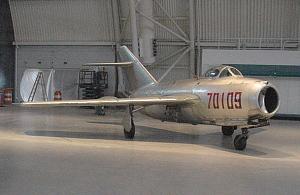 images for Mikoyan-Gurevich MiG-15 (Ji-2) FAGOT B-thumbnail 5