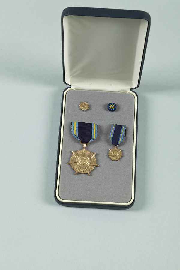 Medal, NASA Distinguished Public Service Medal, Arthur C. Clarke