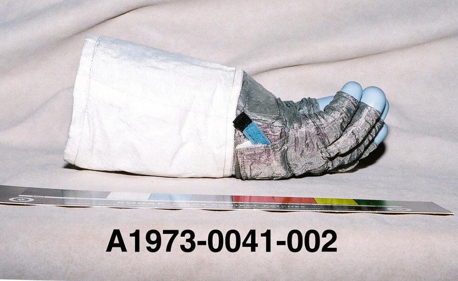 Glove, Left, A7-L, Extravehicular, Apollo 11, Aldrin, Flown