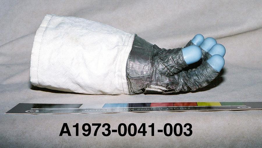 Glove, Right, A7-L, Extravehicular, Apollo 11, Aldrin, Flown