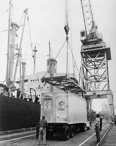 Loading the first container for Gerber Baby Food aboard the Hawaiian Merchant at Alameda, Cal., August 31, 1958. This was Matson's first shipment of containerized cargo.