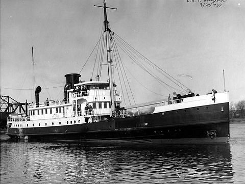 USLHS tender Hollyhock, built 1937