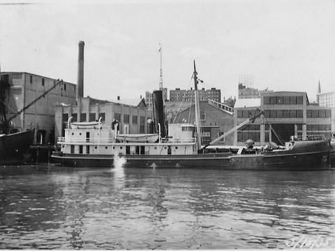 The buoy tender <i>Oak</i>, 1935