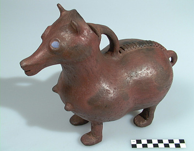 Vessel in the form of a horse
