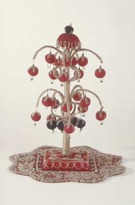 Beaded sculpture representing Iroquois Great Tree of Peace
