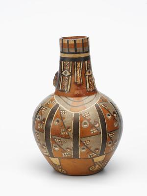 Bottle depicting Wiraqocha (the staff god)