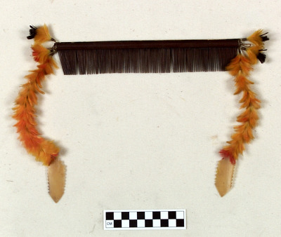 Woman's comb hair ornament