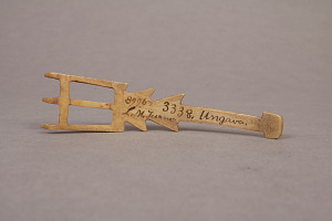 images for 3 Pronged Bone Implement For Painting Robes-thumbnail 3