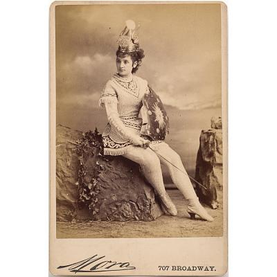 Lizzie Kelsey as Stalacta in