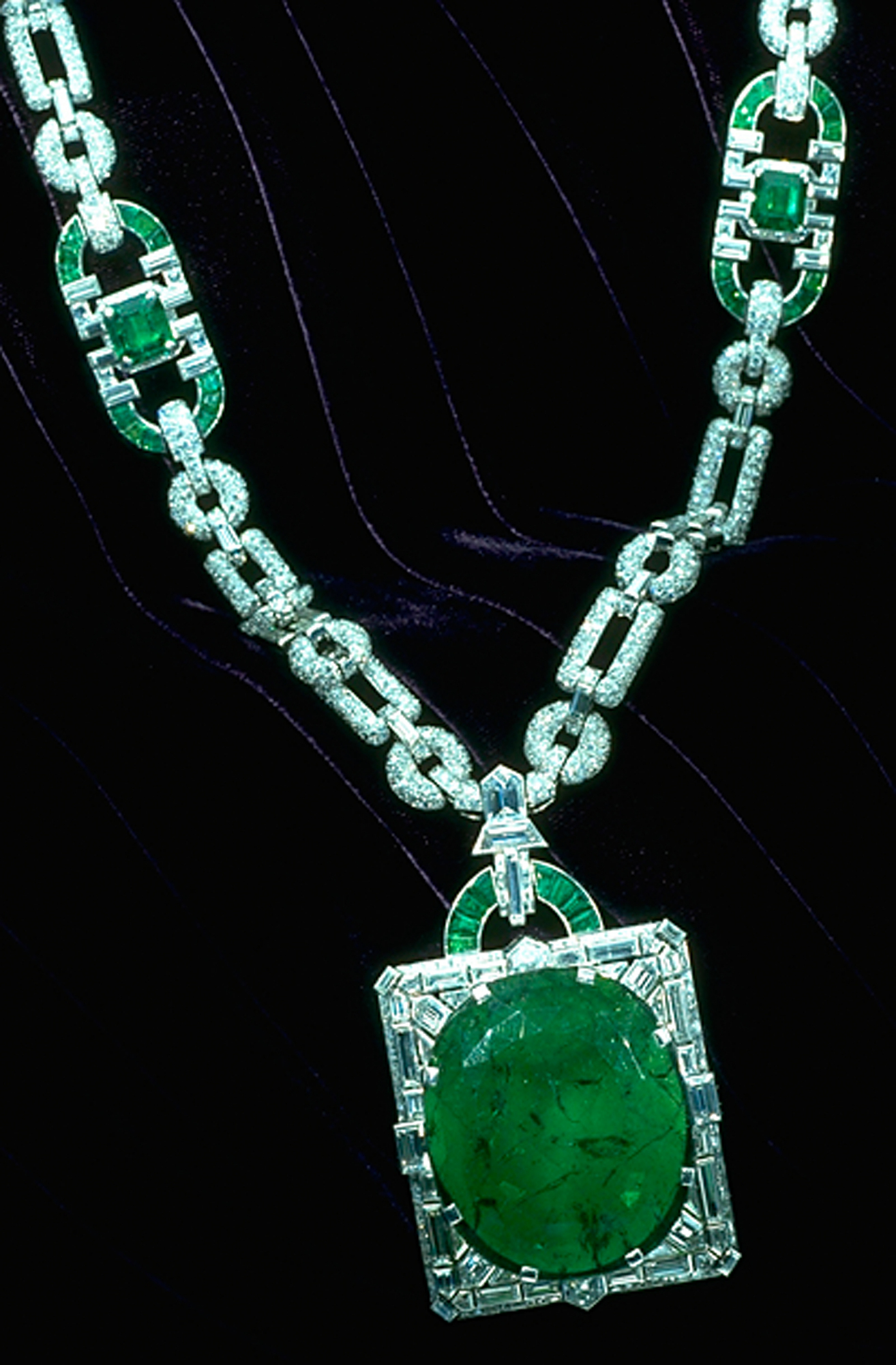 Mackay Emerald Necklace, by Clark, Chip, c. 2000, Smithsonian Archives - History Div, G9775_01.