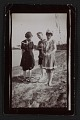 View Edith Glackens, William Glackens, and Florence Scovel Shinn on the beach in Wickford, Rhode Island digital asset number 0