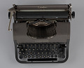 View Underwood typewriter and case digital asset number 6