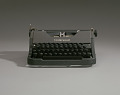 View Underwood typewriter and case digital asset number 7