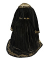 View Dress worn by Charlotte Cushman in the role of Queen Katherine in Shakespeare's <i>Henry VIII</i> . digital asset number 4