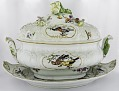 View Meissen tureen, cover, and stand digital asset number 1