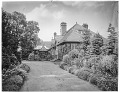 View [Miscellaneous Sites in Warwickshire, England]: an unidentified house, garden, and driveway. digital asset: [Miscellaneous Sites in Warwickshire, England] [glass negative]: an unidentified house, garden, and driveway.