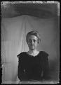 View [Miscellaneous Images in Maryland]: an unidentified woman posing in front of a backdrop. digital asset: [Miscellaneous Images in Maryland] [glass negative] an unidentified woman posing in front of a backdrop.