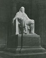 View Benjamin Franklin (front view) [sculpture] / (photographed by Philip Gendreau) digital asset number 0