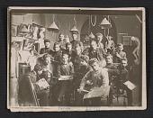 view A class portrait at Julius Penn's Art Academy in Vitebsk digital asset number 1