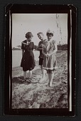 view Edith Glackens, William Glackens, and Florence Scovel Shinn on the beach in Wickford, Rhode Island digital asset number 1