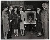 view Walt Kuhn, Bert Lahr and others at the unveiling of his portrait of Lahr as a burlesque actor digital asset number 1
