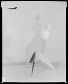 view Alexander Calder stabile, Perls #3931 digital asset number 1