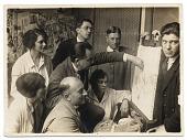 view Hans Hofmann and students at the Hofmann School in Munich digital asset number 1