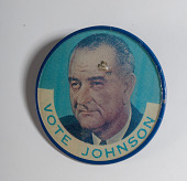view Lenticular Button, Johnson-Humphrey Presidential Campaign digital asset number 1