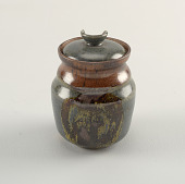 view Jar and lid digital asset number 1