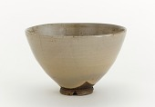 view Akashi ware gohon-style tea bowl with notched footrim digital asset number 1