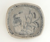 view Mino ware Shino style serving dish with design of crows on hut in field digital asset number 1