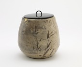 view Karatsu ware tea ceremony water jar digital asset number 1