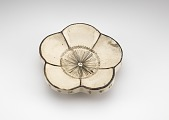 view Saucer in form of plum blossom, with Chinese poem on rim and Chinese character written in lacquer on base digital asset number 1