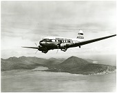 view Douglas DC-3; Airlines, Hawaiian Airlines (USA). [photograph] digital asset number 1