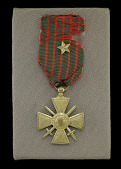 view French Croix de Guerre medal issued to Cpl. Lawrence Leslie McVey digital asset number 1