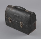 view Metal lunchbox used by oysterman Ira Wright digital asset number 1