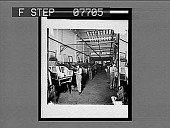 view [Peerless auto plant with workers.] Series No. 4 : interpositive digital asset: [Peerless auto plant with workers.] Series No. 4 : interpositive, 1909.