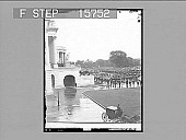 view President McKinley's last journey to the scene of his life work--carrying the body into the Capitol, Washington, D.C. Copyright 1901 by Underwood & Underwood. [on negative]. [Active no. 22355 : non-stereo photonegative,] digital asset: President McKinley's last journey to the scene of his life work--carrying the body into the Capitol, Washington, D.C. Copyright 1901 by Underwood & Underwood. [on negative]. [Active no. 22355 : non-stereo photonegative,] 1901.