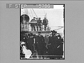 """view Sir Thomas Lipton watching the Yacht Race from the Bridge of the """"Erin,"""" Sept. 26, 1901. Copyright 1901 by Underwood & Underwood. [on negative] [Active no. 22443 : non-stereo photonegative,] digital asset: Sir Thomas Lipton watching the Yacht Race from the Bridge of the """"Erin,"""" Sept. 26, 1901. Copyright 1901 by Underwood & Underwood. [on negative] [Active no. 22443 : non-stereo photonegative,] 1900."""