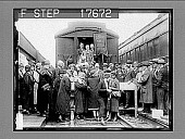 """view Boston, Mass.: Vermonters visit Boston and take hub by storm when they boost state. A delegation of Vermont boosters, headed by Governor Billings, arrived on """"sugar train"""" and were greeted by Governor Fuller of Massachusetts. 5/20/26. [Active no. 1874 ... digital asset: Boston, Mass.: Vermonters visit Boston and take hub by storm when they boost state. A delegation of Vermont boosters, headed by Governor Billings, arrived on """"sugar train"""" and were greeted by Governor Fuller of Massachusetts. 5/20/26. [Active no. 1874 : non-stereo photonegative,] 1926."""